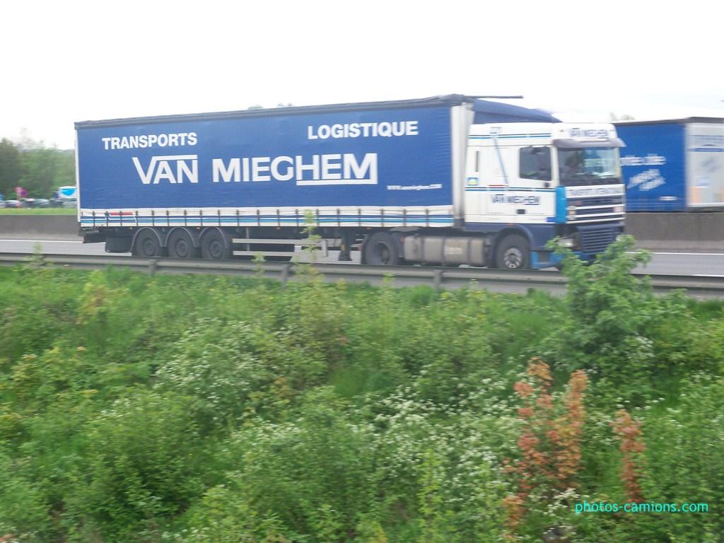 Van Mieghem (Saintes) - Page 5 436250photoscamions11mai201270Copier