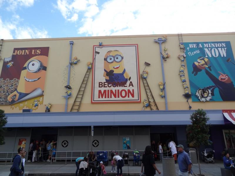 [18-31 octobre 2014] Voyage de noces à Walt Disney World et à Universal - Page 25 439804DESPICABLE1