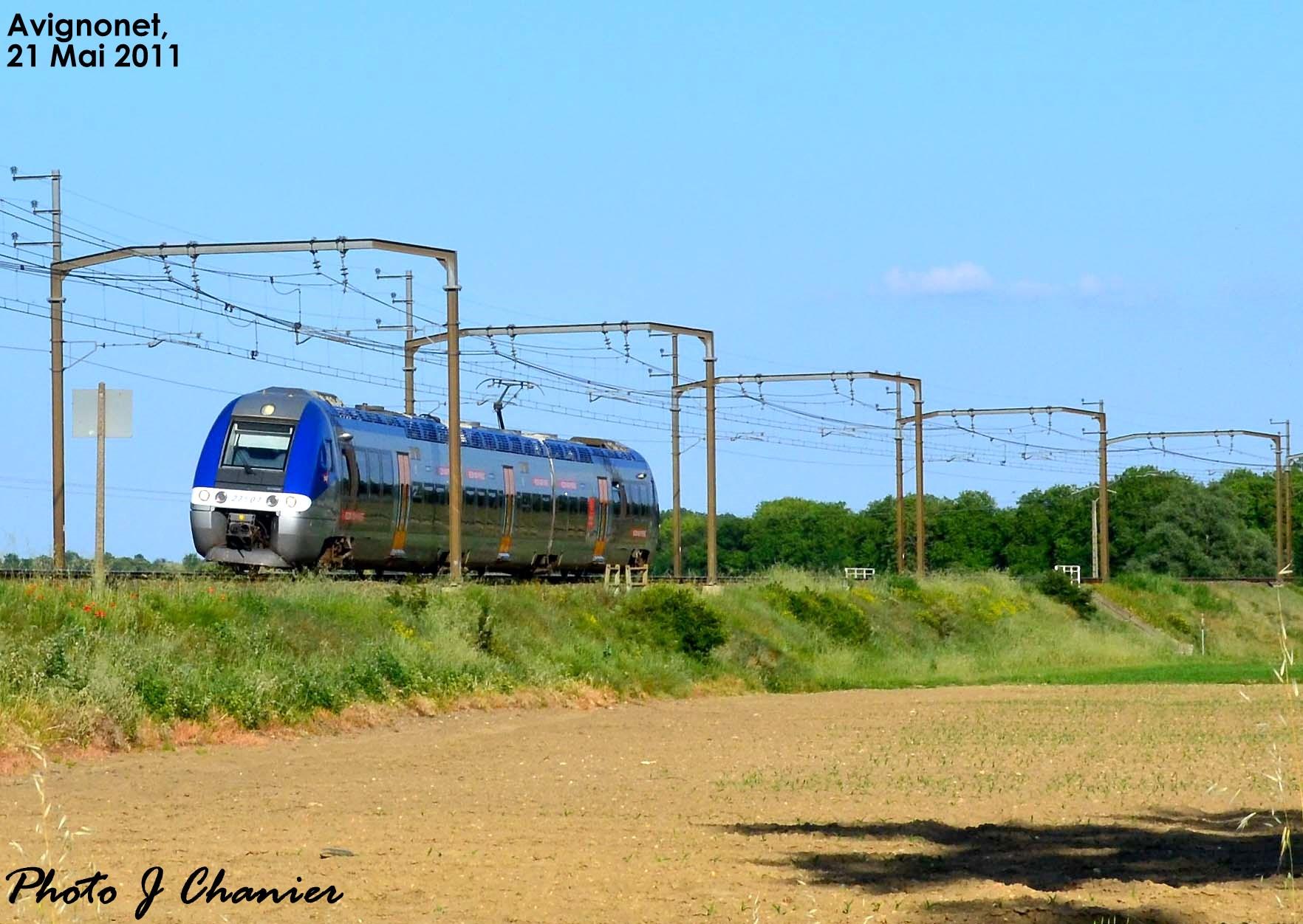 Photos et vidéos de la ligne Bordeaux - Toulouse - Narbonne - Sète (2007-2013) - Page 2 442706CopiedeCHATSLALANDEEGLISEAVIGNONETLAUCASTELNAUDARY449