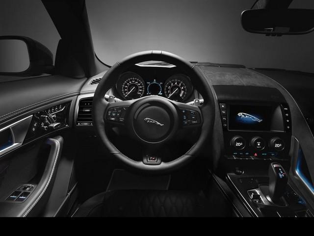 Nouvelle Jaguar F-TYPE SVR : La Supercar Capable D'atteindre 322 km/h Par Tous Les Temps 442799JAGUARFTYPESVR42COUPEStudioInteriorLowRes