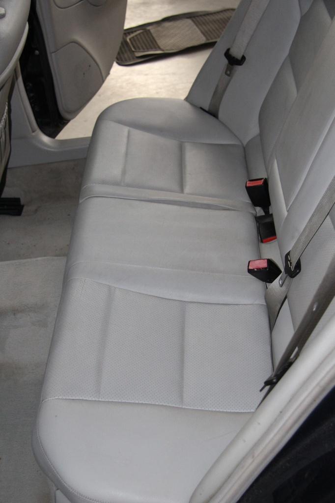 Pulizia Interni in Pelle - Mercedes C220 LETAMAIO 445039IMG1489