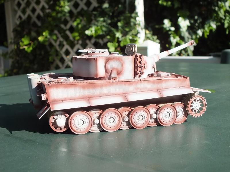 Tiger I Late version ,tamiya 1/35 (début de patine) 450121DSCF5801