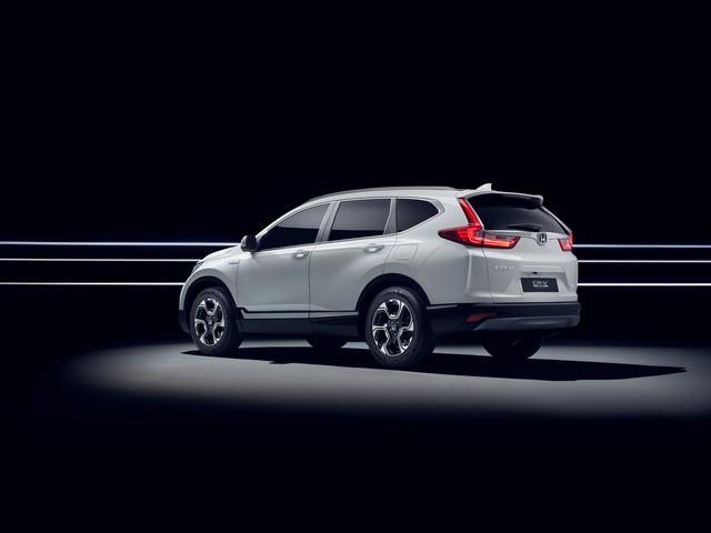 Honda dévoile le prototype du futur CR-V hybride au salon automobile de Francfort 450517113240HondatounveilCRVHybridPrototype