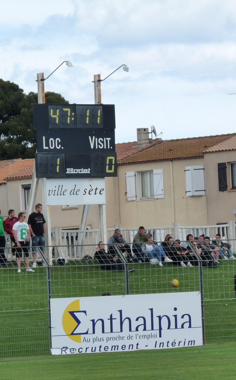 CETTE ( SETE ) ILE SINGULIERE REVIENT EN ( CHAMPIONNAT  DE)  FRANCE DE FOOTBALL AMATEUR  CFA 2 !!!!!!! - Page 3 454028Photo093