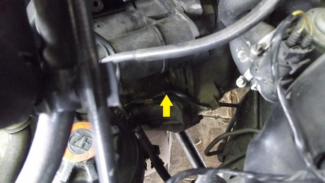 [BMW 316 i E36] Réparation d'une fuite d'essence moteur 4606111lieudefuitedessence
