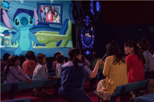 [Tokyo Disneyland] Nouvelle attraction : Stitch Encounter (17 juillet 2015) - Page 2 461080STITCH2