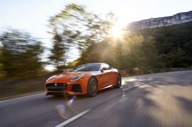 Nouvelle Jaguar F-TYPE SVR : La Supercar Capable D'atteindre 322 km/h Par Tous Les Temps 462001JAGUARFTYPESVR06COUPELocationLowRes