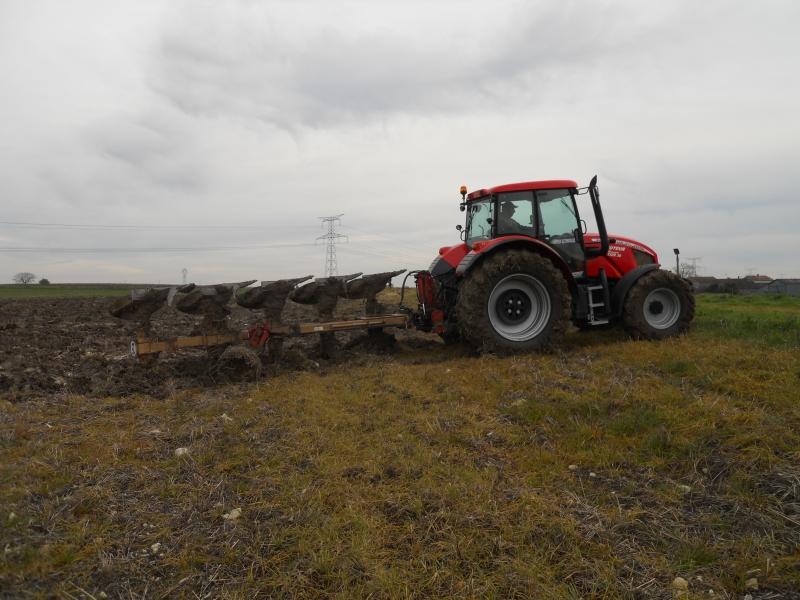 Photos de tracteurs Zetor  - Page 2 465412TRACTEURZETORHSX140010