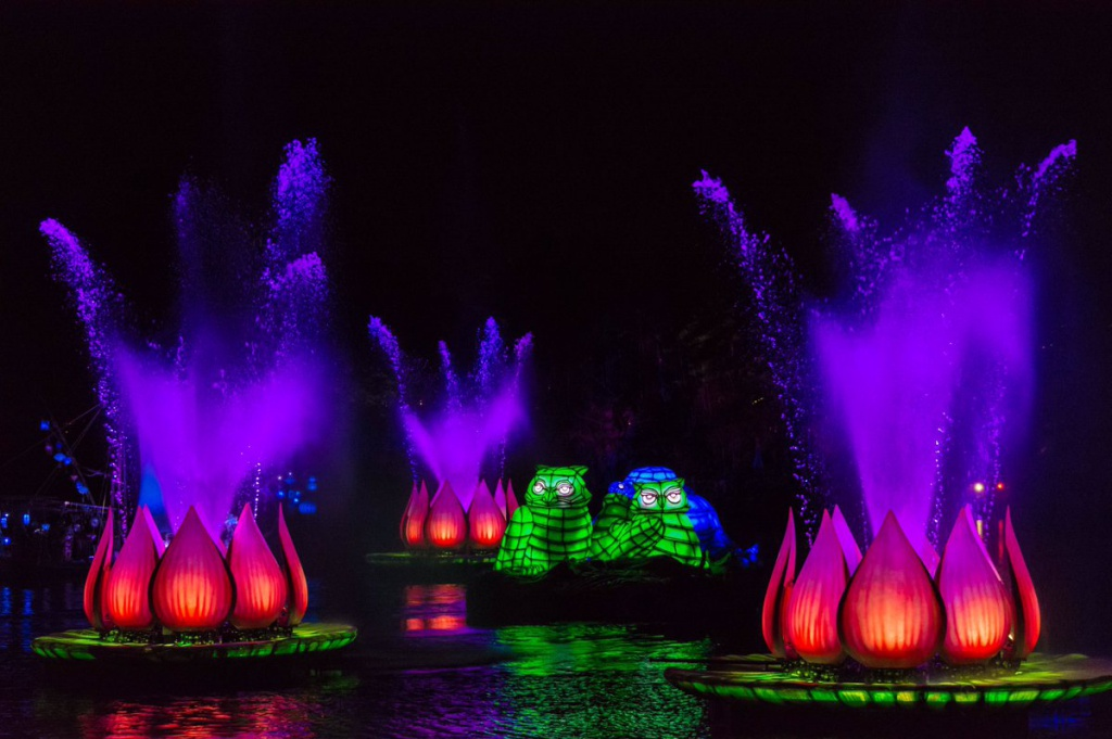 [Disney's Animal Kingdom] Nouveaux divertissements nocturnes: Rivers of Light, Tree of life Awakenings, The Jungle Book Alive with Magic ... - Page 13 465584Riversoflight4