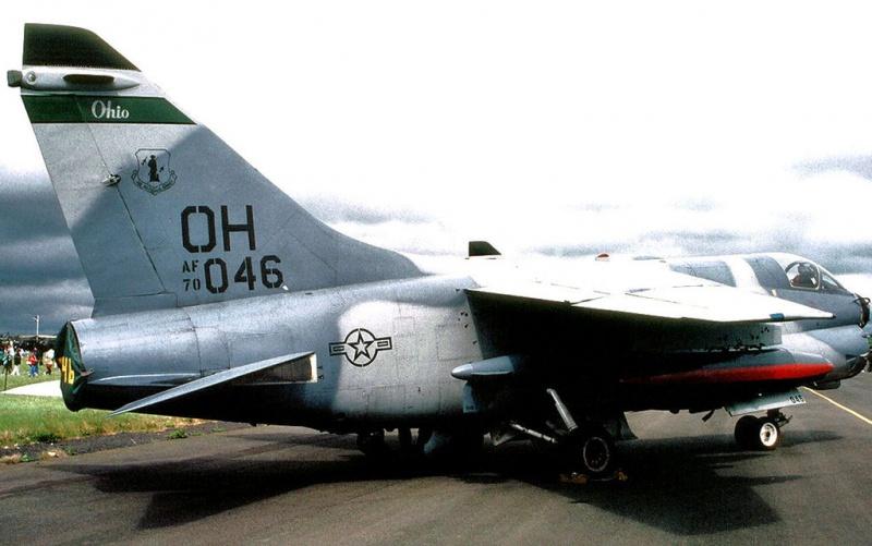 LTV A-7 Corsair II [NOUVELLE VERSION] 466042LTVA7DCorsairII264