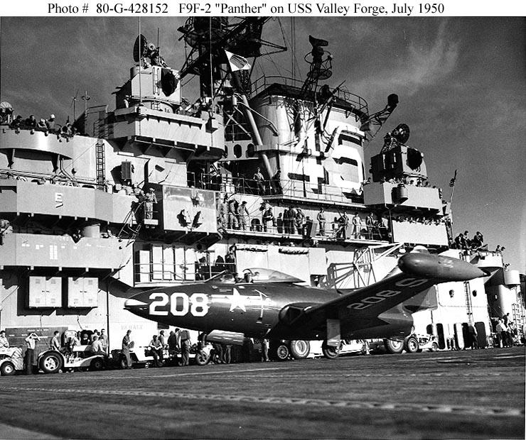 GRUMMAN F9F PANTHER  468787USS_Valley_Forge_juillet_1950_Grumman_F9F_2