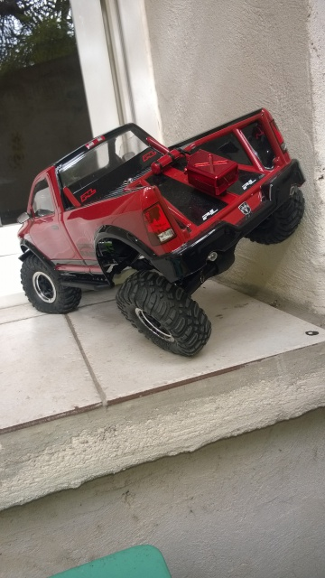 axial Scx10 - Jeep Umbrella Corp Fin du projet Jeep - Page 4 475118WP20150402004