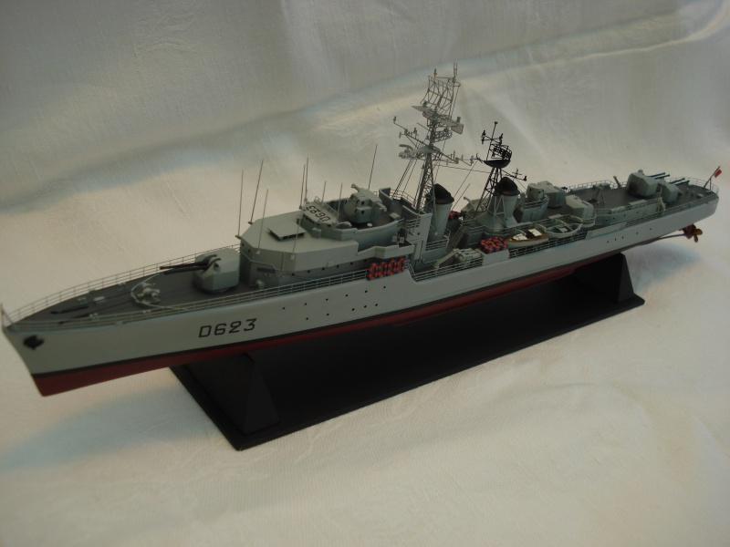 Task force heller 1/400 EE Bouvet  475250DSC04787