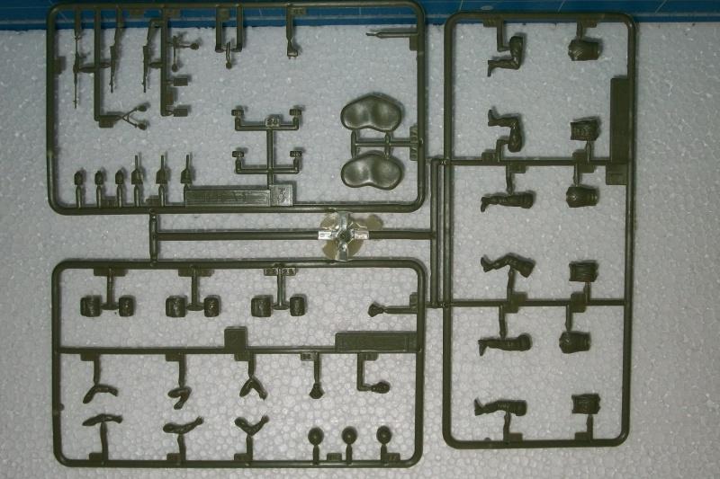 AMX 13 VCI 1/35ème Réf 81140 481900VCI028