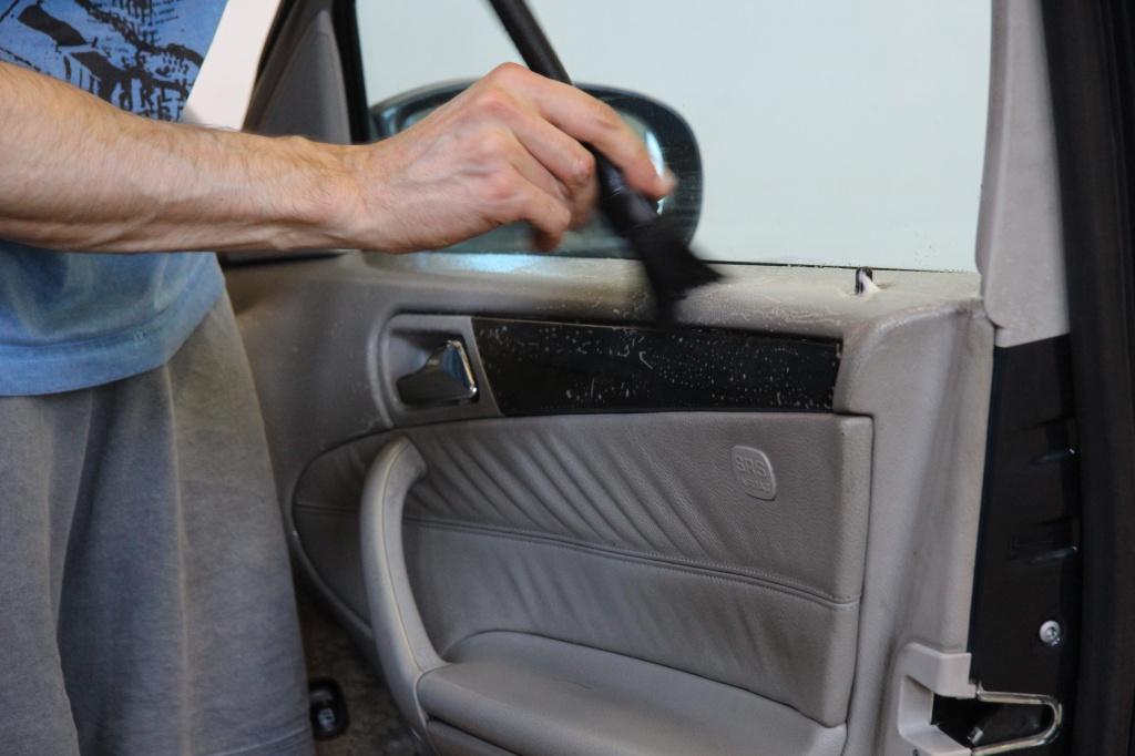 Pulizia Interni in Pelle - Mercedes C220 LETAMAIO 487014IMG1400