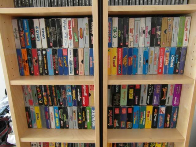 Des étagères pleines à craquer de vieux jeux 487051SAM0227