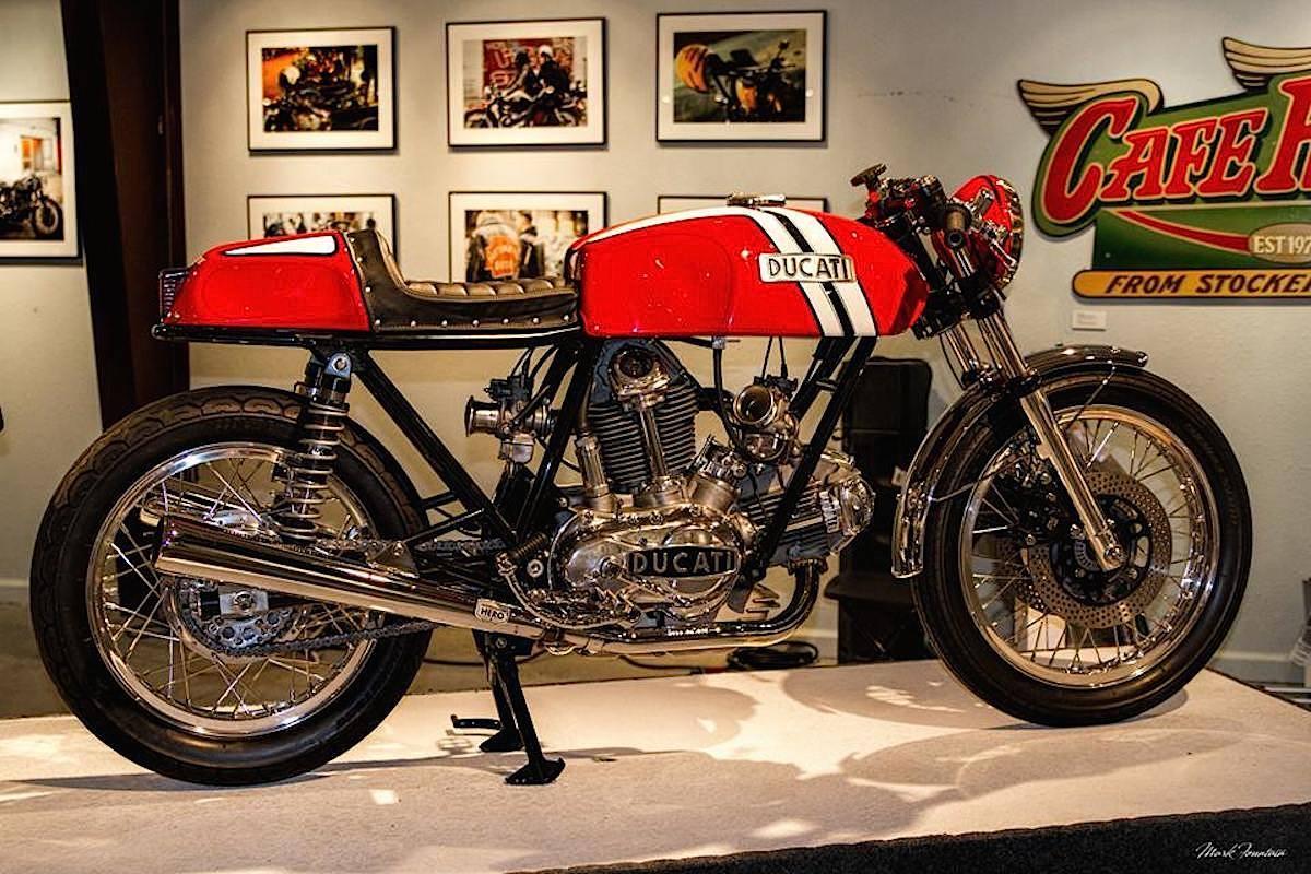 Ducati Twins à Couples Coniques : C'est ICI - Page 10 491312duc