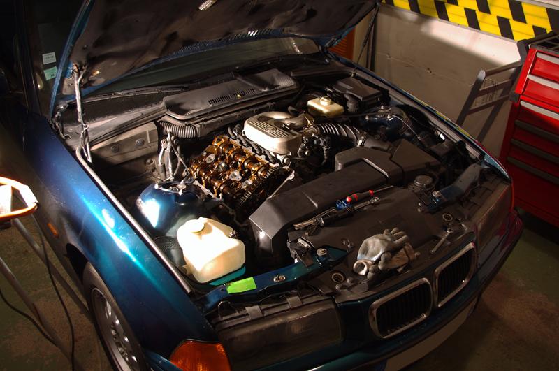 [BMW 318 is E36] Claquements dans le moteur 494007IMGP4653re