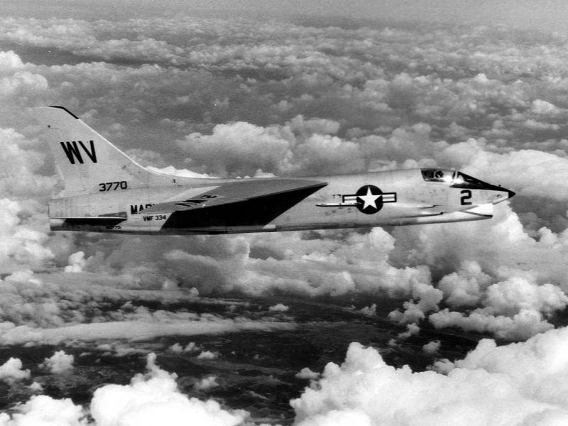 LTV A-7 Corsair II [NOUVELLE VERSION] 494658VoughtF8ACrusader19