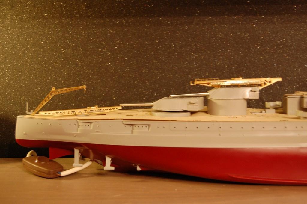 USS Arizona 1/200 par EricAlain 495250Arizona26Copier
