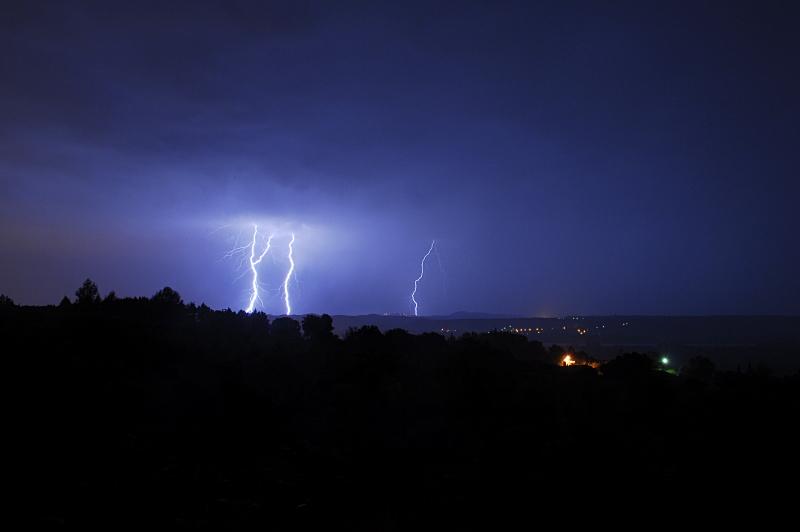 Suivi des orages en France saison 2010 - Page 2 496194_DSC1175