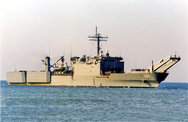LANDING SHIP TANK (LST) CLASSE NEWPORT  496219USSSpartanburgCountyLST1192Gnesavril1985