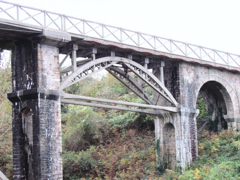 Chemin de fer des Côtes du Nord - le viaduc de Caroual (Erquy) 496500IMG6526