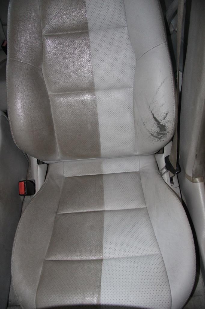 Pulizia Interni in Pelle - Mercedes C220 LETAMAIO 499482IMG1456