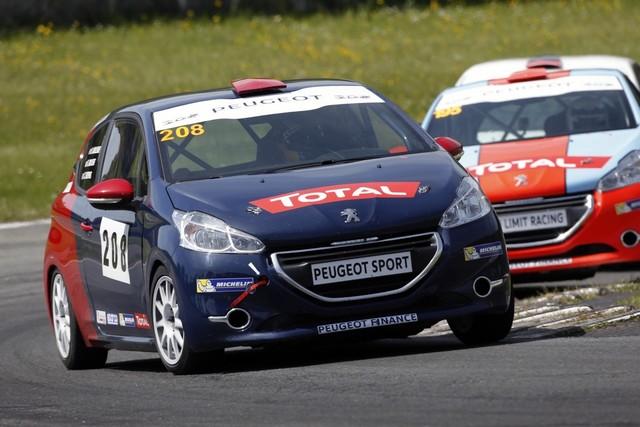 Un Week-end Perché Pour Les Rencontres Peugeot Sport ! 501691charadeCyrilDespres