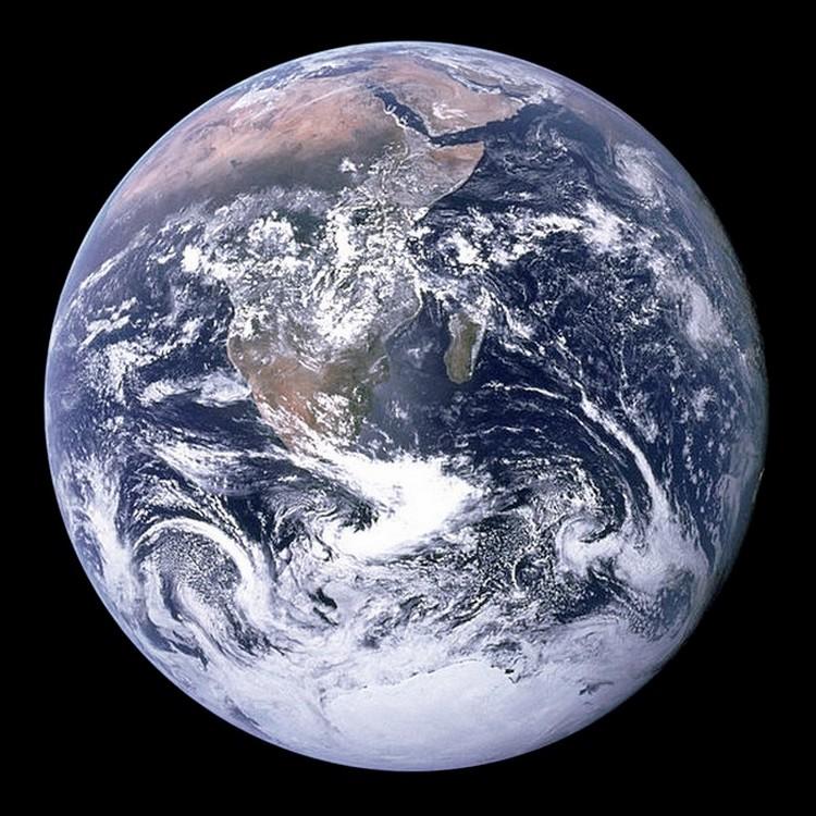 Apollo 17 (1972) 502458TheBlueMarble