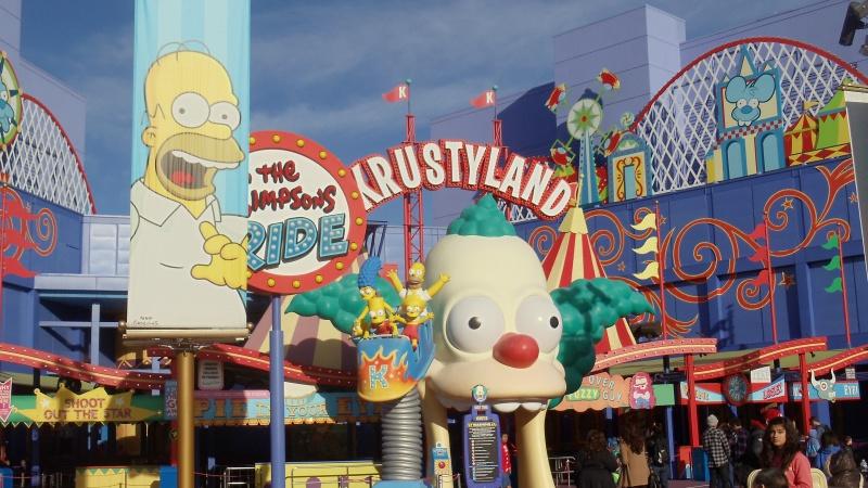 [18-31 octobre 2014] Voyage de noces à Walt Disney World et à Universal - Page 25 503037simpsons4
