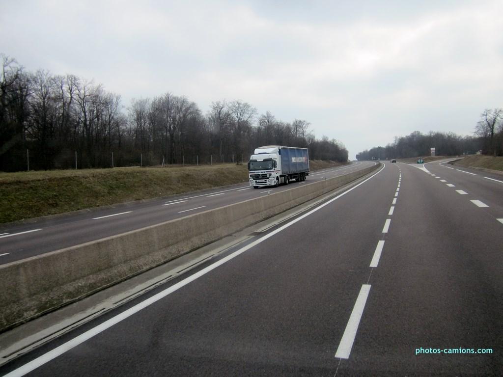 photos-camions.com /></a><br /><br />Debeaux (Transalliance)-Livron sur Drome, Mercedes Actros.</div><div class=