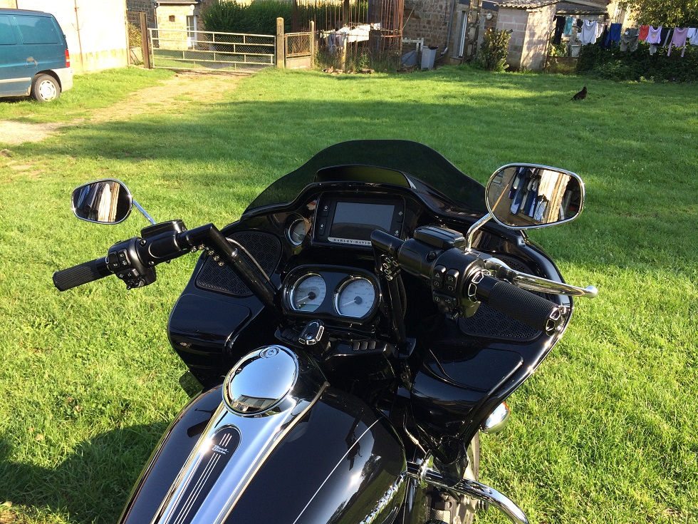 MODIFICATIONS ROAD GLIDE 2015 - Page 7 504029IMG5368