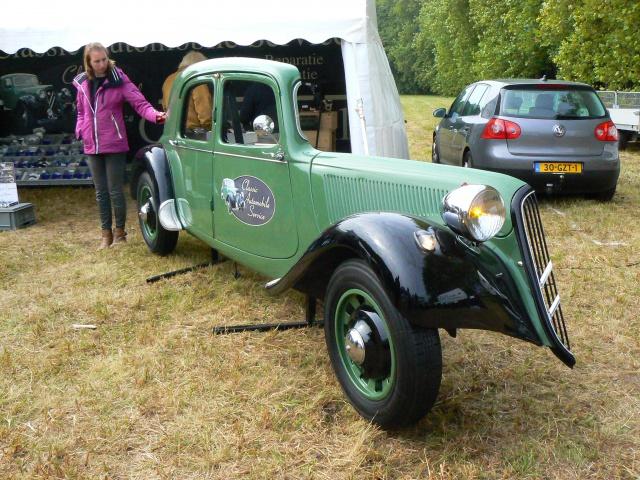 80 ans de bons et loyaux service la TRACTION avant Citroën 504079P1190831