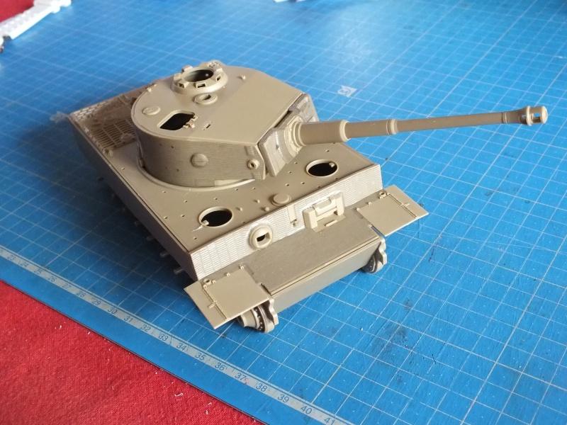 Tiger I Late version ,tamiya 1/35 (début de patine) 504154DSCF2754