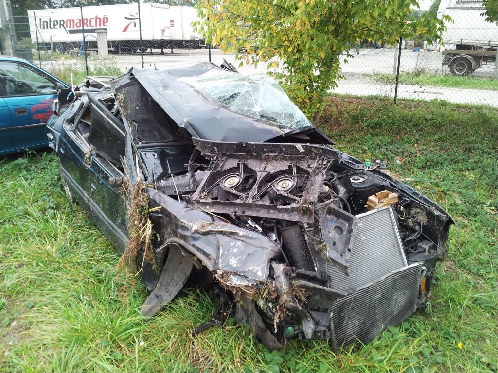 Accident grave avec Peugeot 405 STDT 51692320111012154856