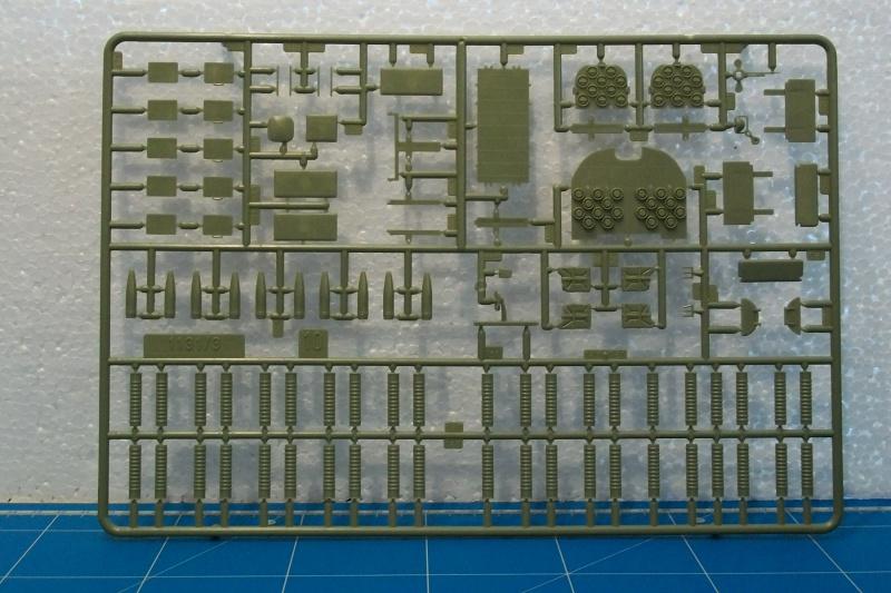 AMX 13 VCI 1/35ème Réf 81140 523328VCI024