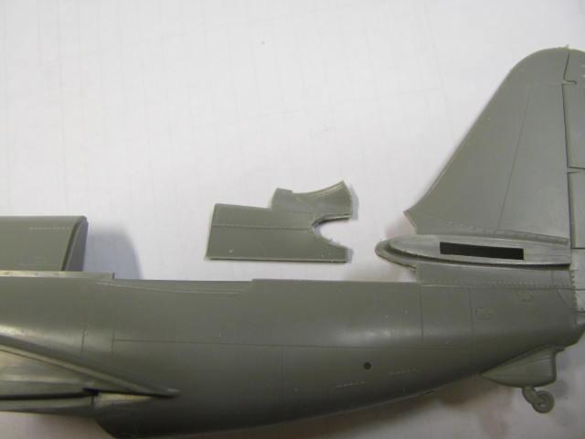 Curtiss SB2C-4 Helldiver  Revell 1/48  52382087G6