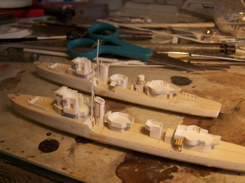 Destroyers classe Hunt type 2 et 3 - Page 2 524596Hutn2et3015