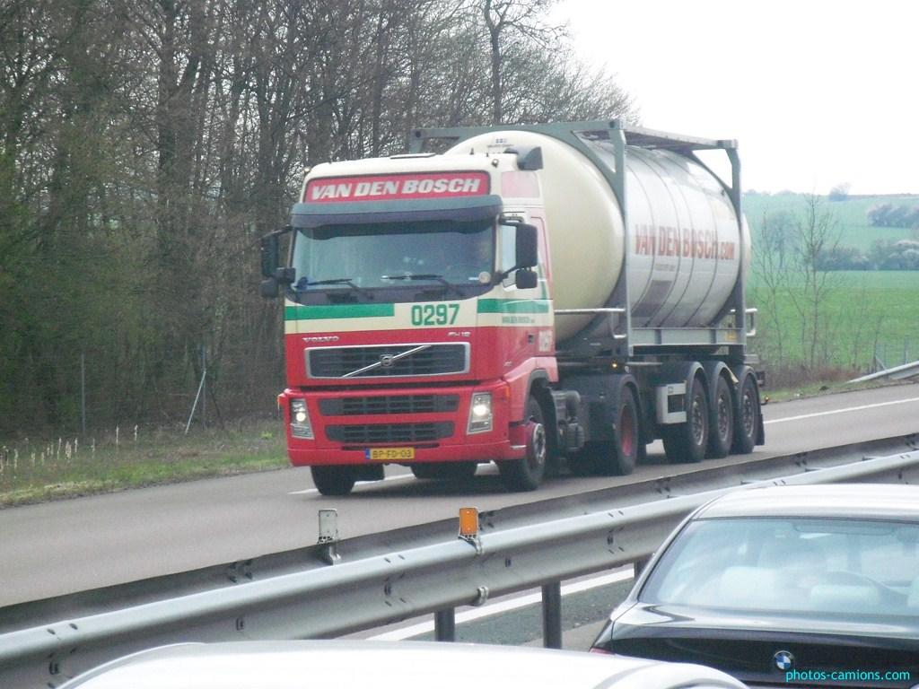 Van Den Bosch (Erp) 527074photoscamions8Avril2012163Copier