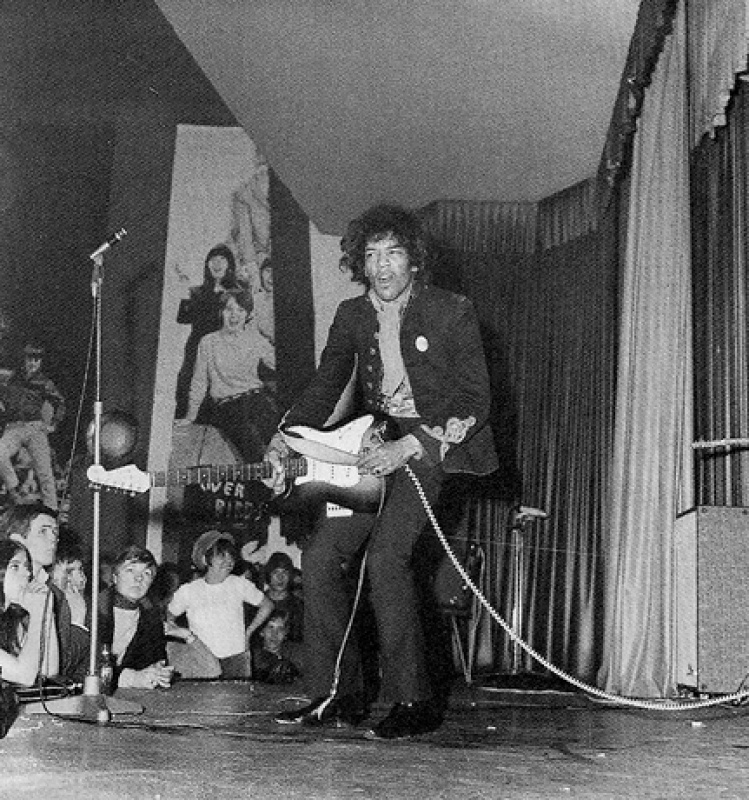 Hambourg (Star Club) : 17 mars 1967 [Second concert] 533346page2501010full