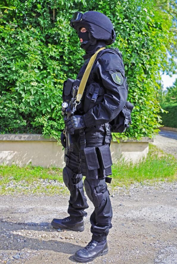 Black Unit FSB 53425420130609195319