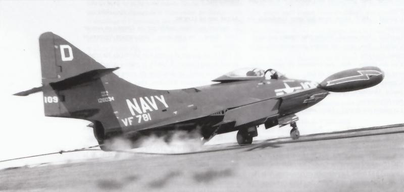 GRUMMAN F9F PANTHER  534600F9F_5_5
