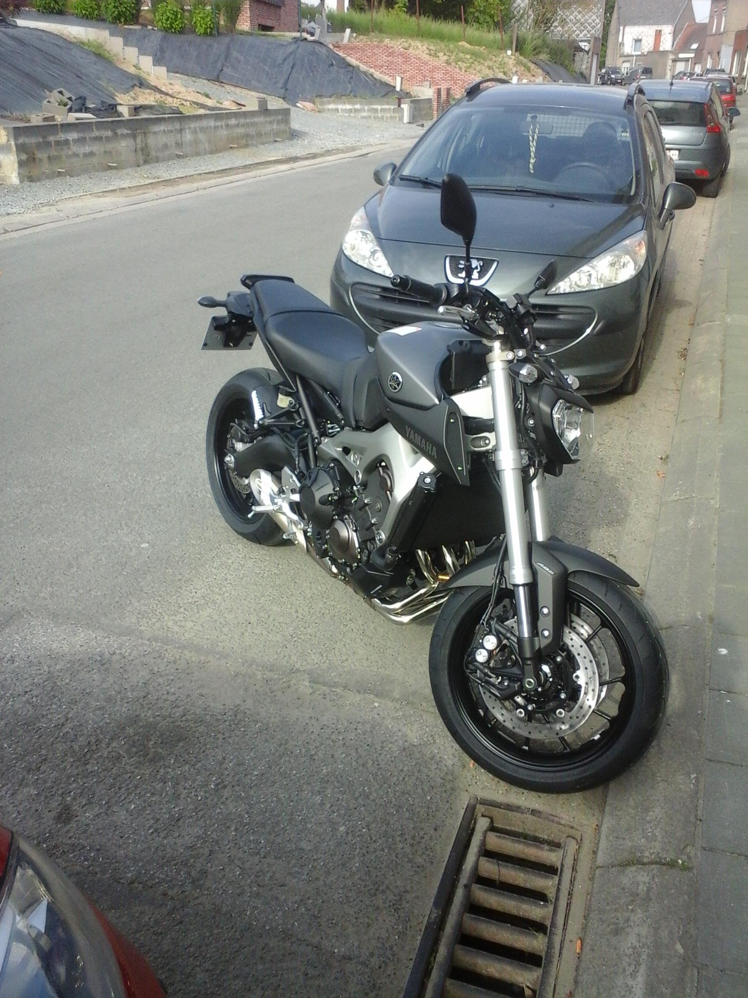 Photos de toutes les Yamaha MT-09 du forum ! :) 539196YDuini