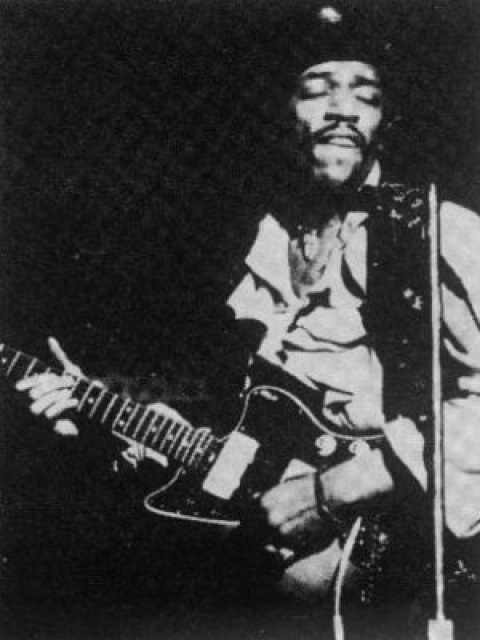 Newark (Symphony Hall) : 5 avril 1968  541955FenderJazzmaster