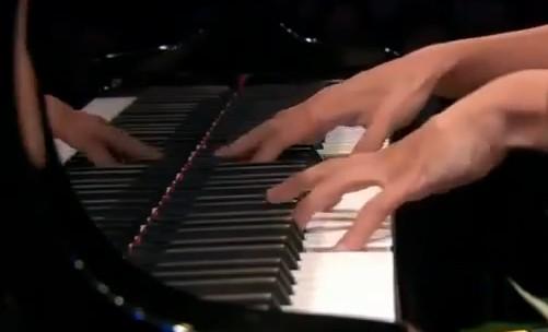 Le QUIZZ des PIANOPHILES à coucher dehors... - Page 6 544703273