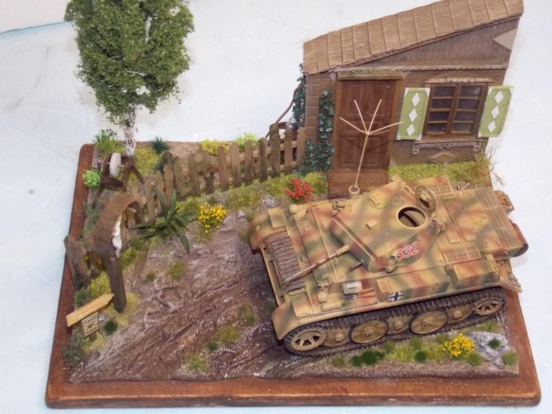 Un Lynx quelque part sur le front est 1944 - char Luchs ASUKA deco BLACKDOG 1/35 - Page 3 547846DSCN5130