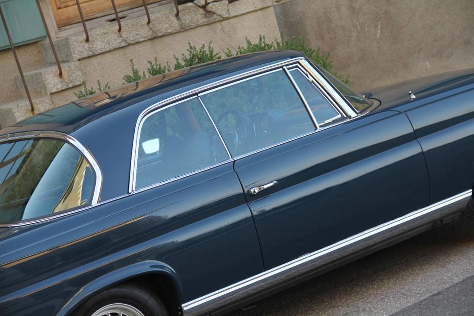 une splendide et magnifique Mercedes-Benz w111 coupé vendue par Bahman Cars - Page 2 549719mbw1110022