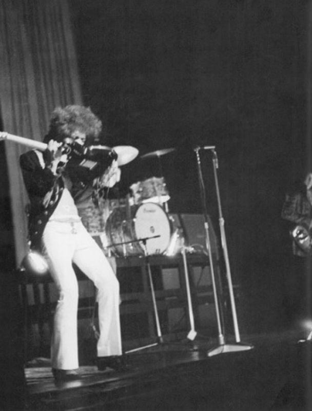 Londres (Saville Theatre) : 4 juin 1967 [Premier concert] 554451page4031011full