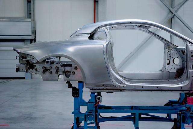 La future Alpine de route aura un châssis dédié et une carrosserie en aluminium pour lui conférer légèreté et agilité 5563768627416